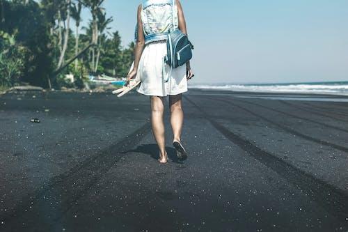 Gratis lagerfoto af Bali, gang, hav, kvinde