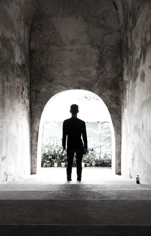 Fotos de stock gratuitas de blanco y negro, hombre