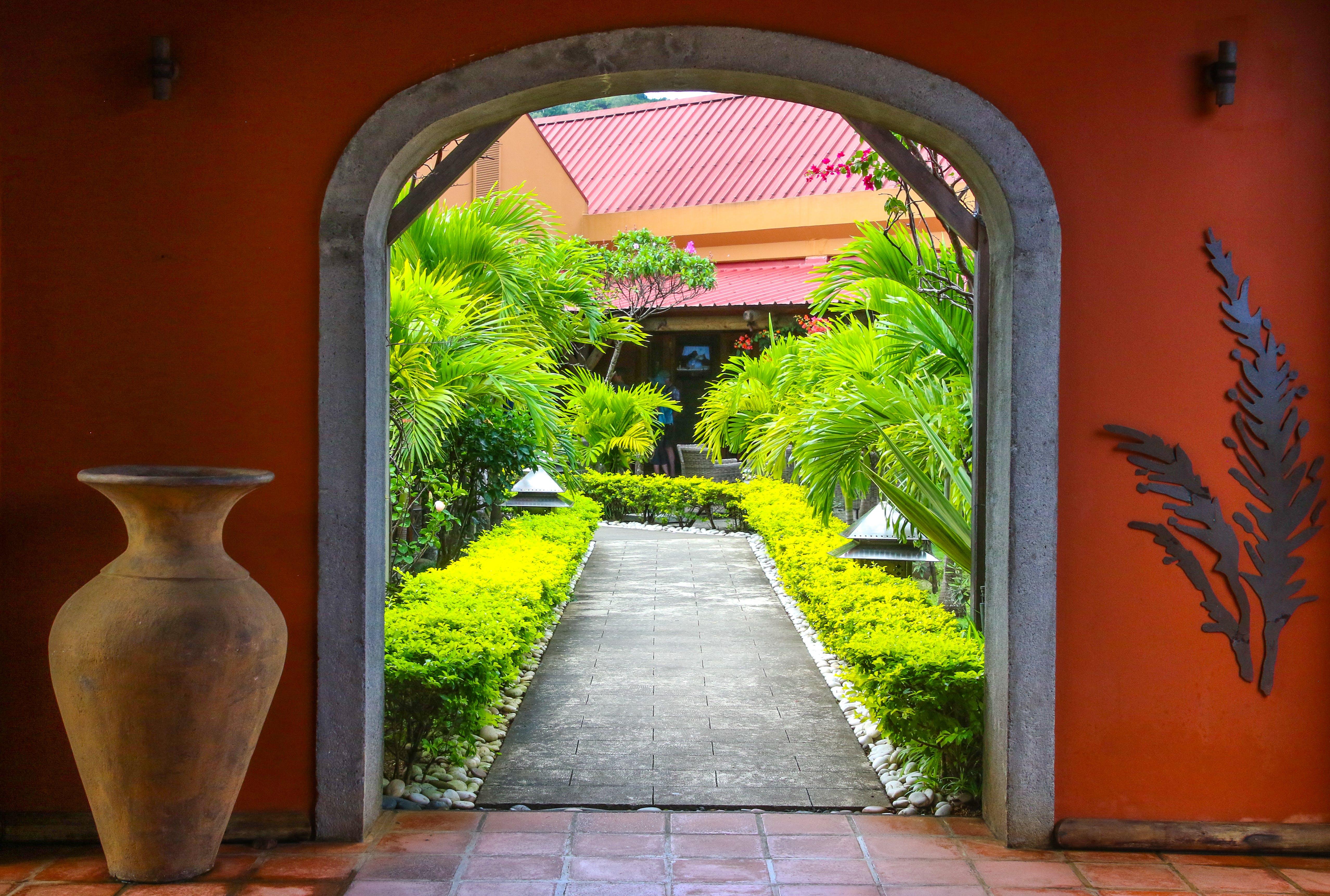 คลังภาพถ่ายฟรี ของ ซุ้มประตู, ทางเดิน, สถาปัตยกรรม, สวน