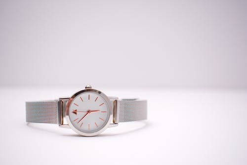 Round Silver-colored Analog Watch With Silver-colored Strap