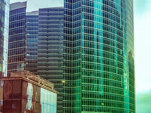 Kostenloses Stock Foto zu architektur, außen, büros, fenster