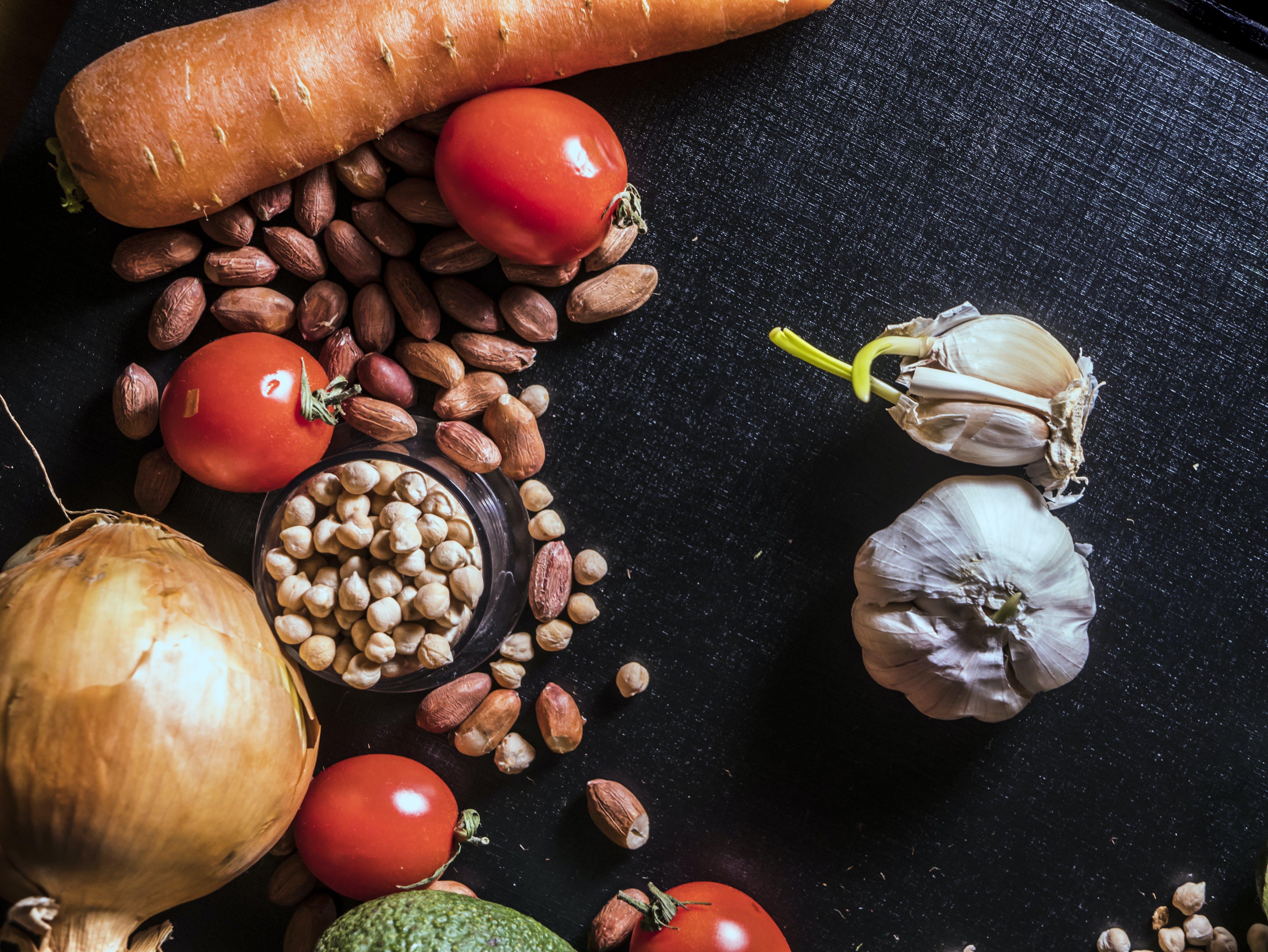Fotos de stock gratuitas de ajo, cacahuetes, cebolla, colores