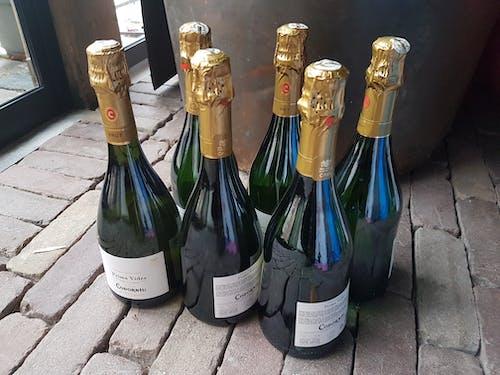 dolu, içecekler, içki, i̇spanyol şampanyası içeren Ücretsiz stok fotoğraf