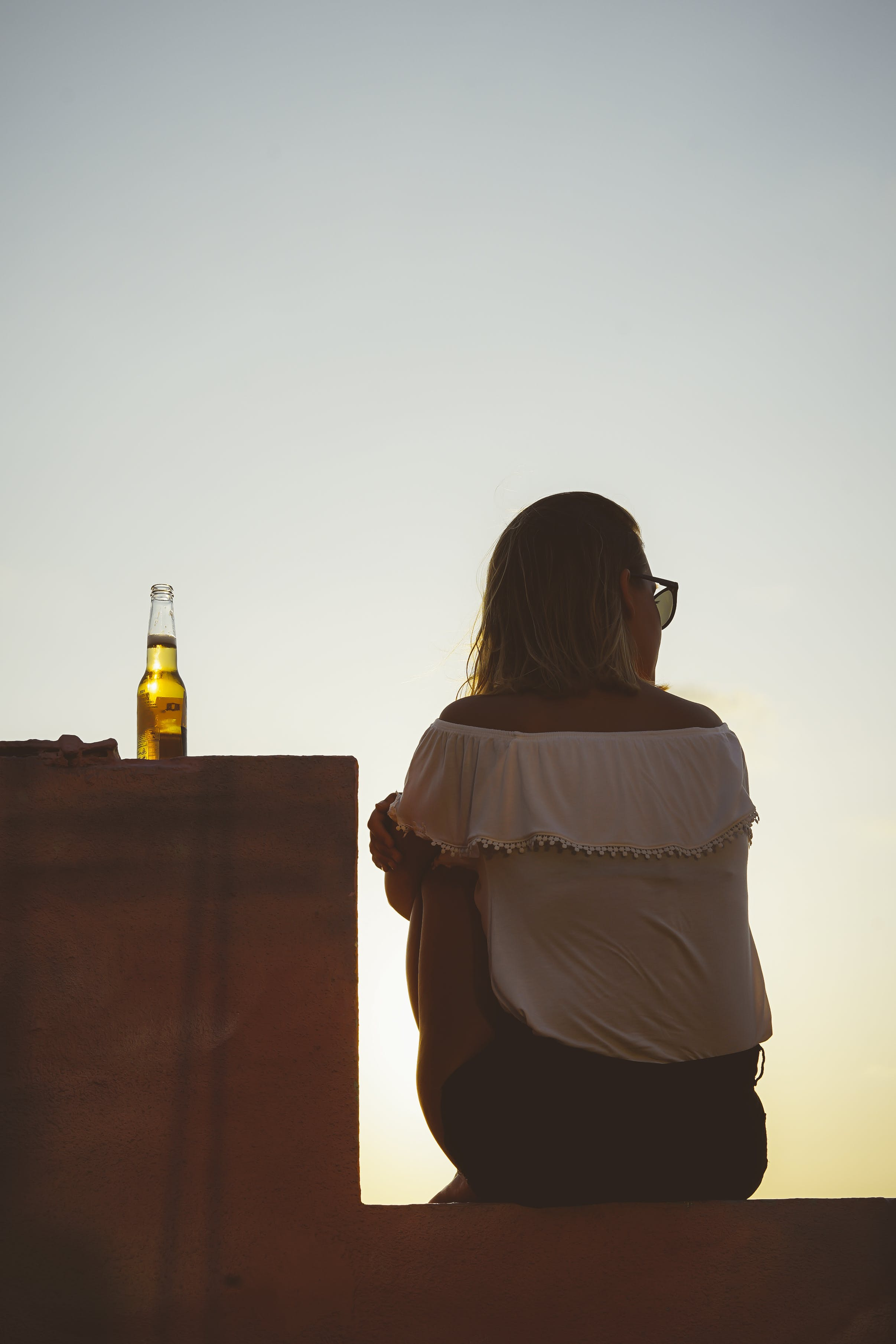 Gratis lagerfoto af afsats, bagbelyst, Drik, drink