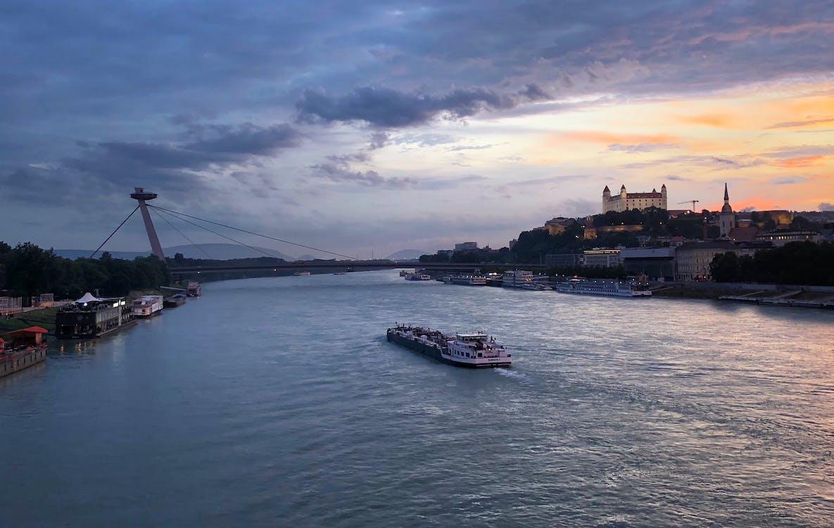 boat, bratislava, bratislava castle