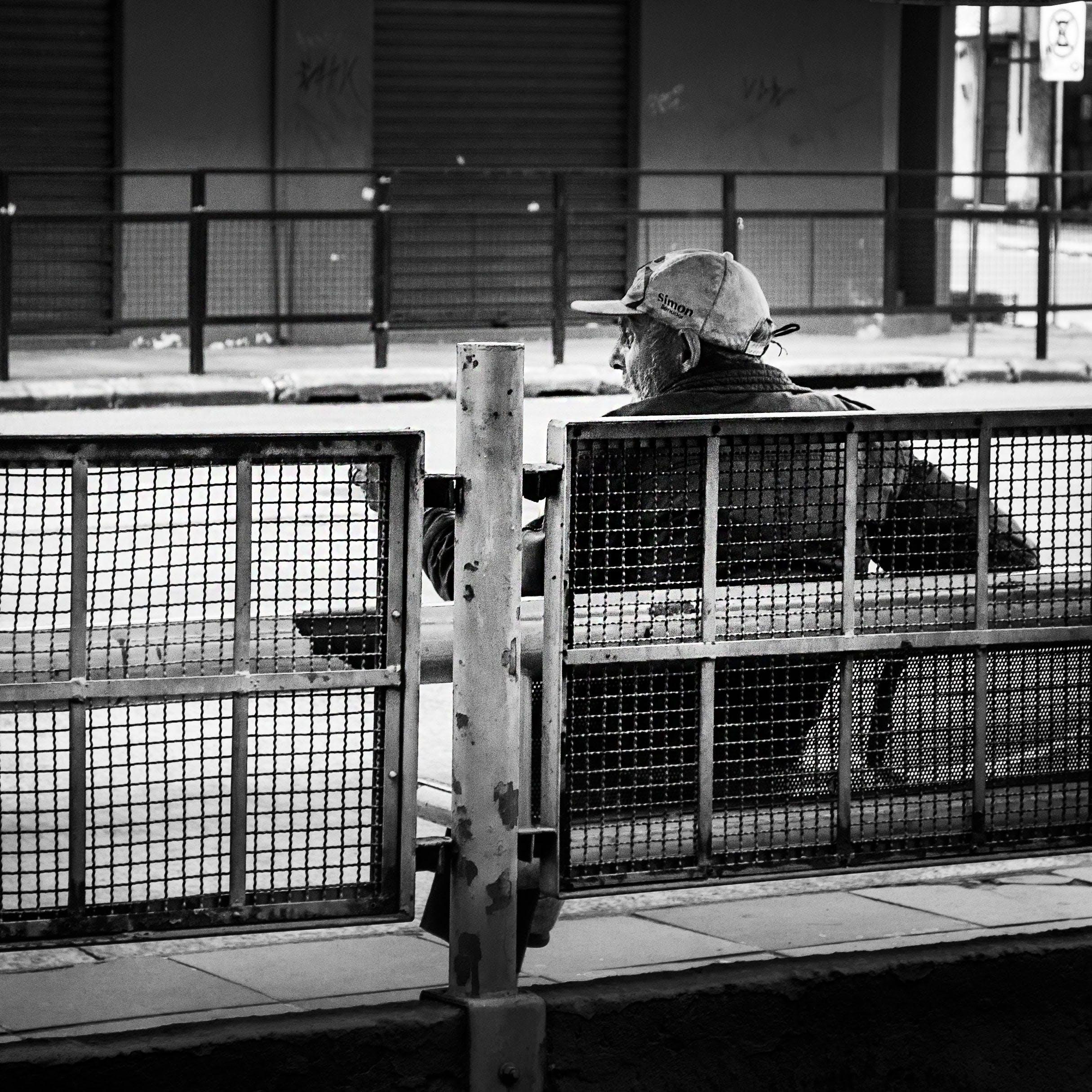 Foto profissional grátis de aço, adulto, assento, boné