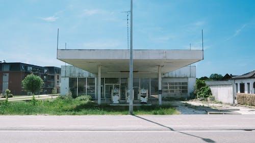 Foto d'estoc gratuïta de abandonat, destrucció, edifici abandonat, gasolinera