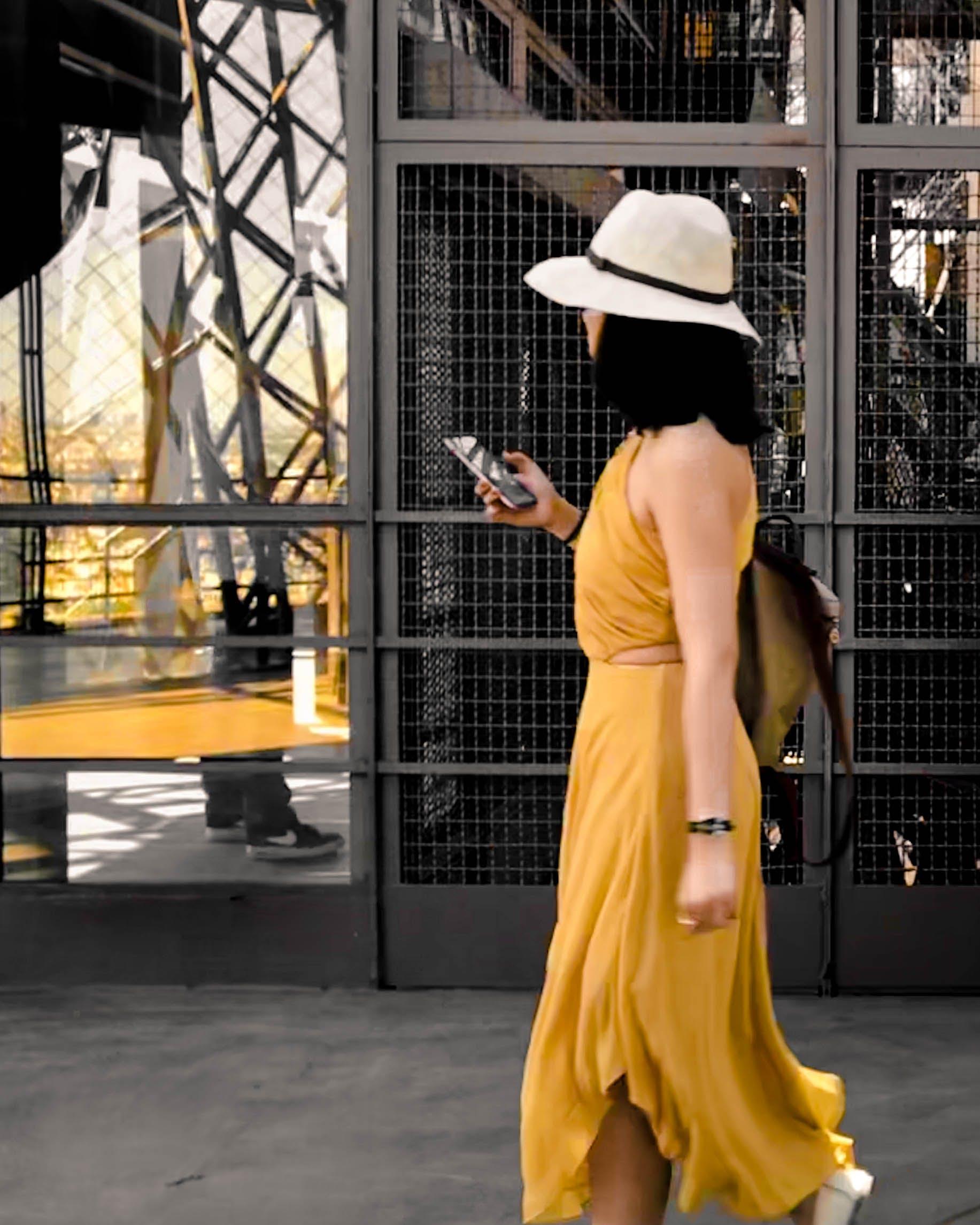 Free stock photo of eiffel tower, woman, yellow