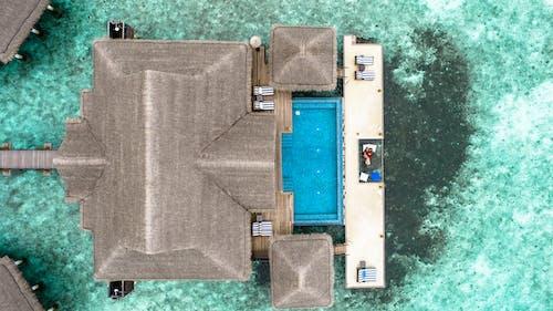 Ilmainen kuvapankkikuva tunnisteilla hiekkaranta, huvila, ilmakuvaus, katto