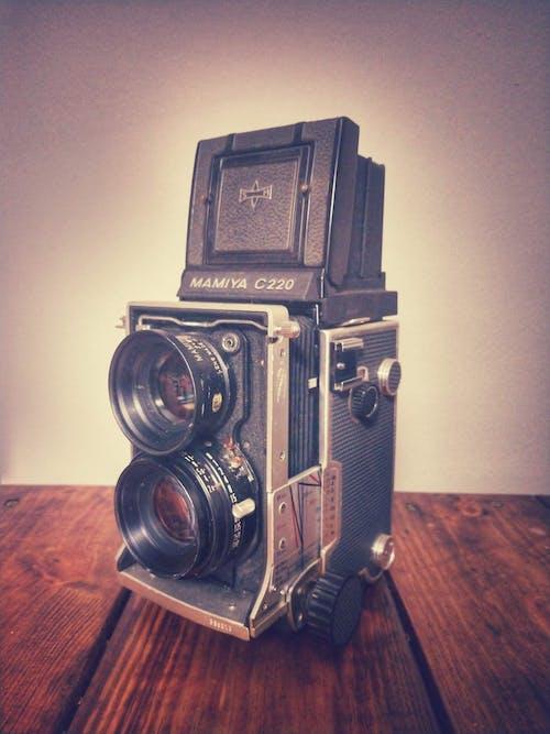Gratis arkivbilde med analogt kamera, tlr, tvillinglinsrefleks