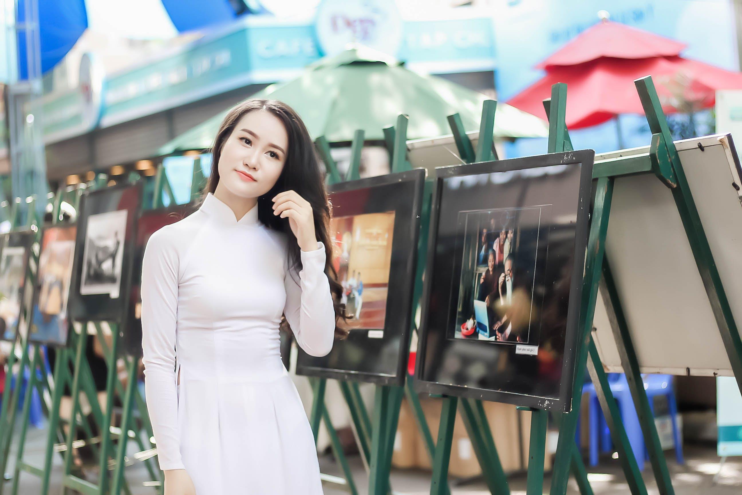 Foto profissional grátis de atraente, beleza, garota asiática, mercadoria