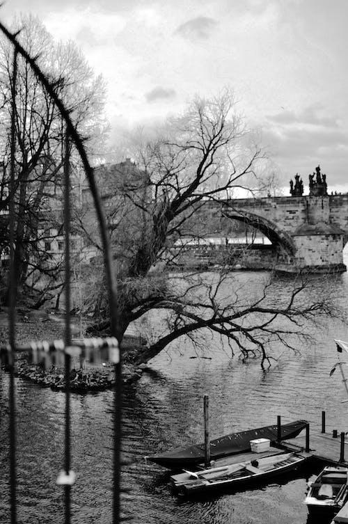 Бесплатное стоковое фото с вид на город, прага, символ любви