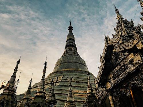 shwedagon宝塔, 寶塔, 日落, 蟲瞻景觀 的 免费素材照片