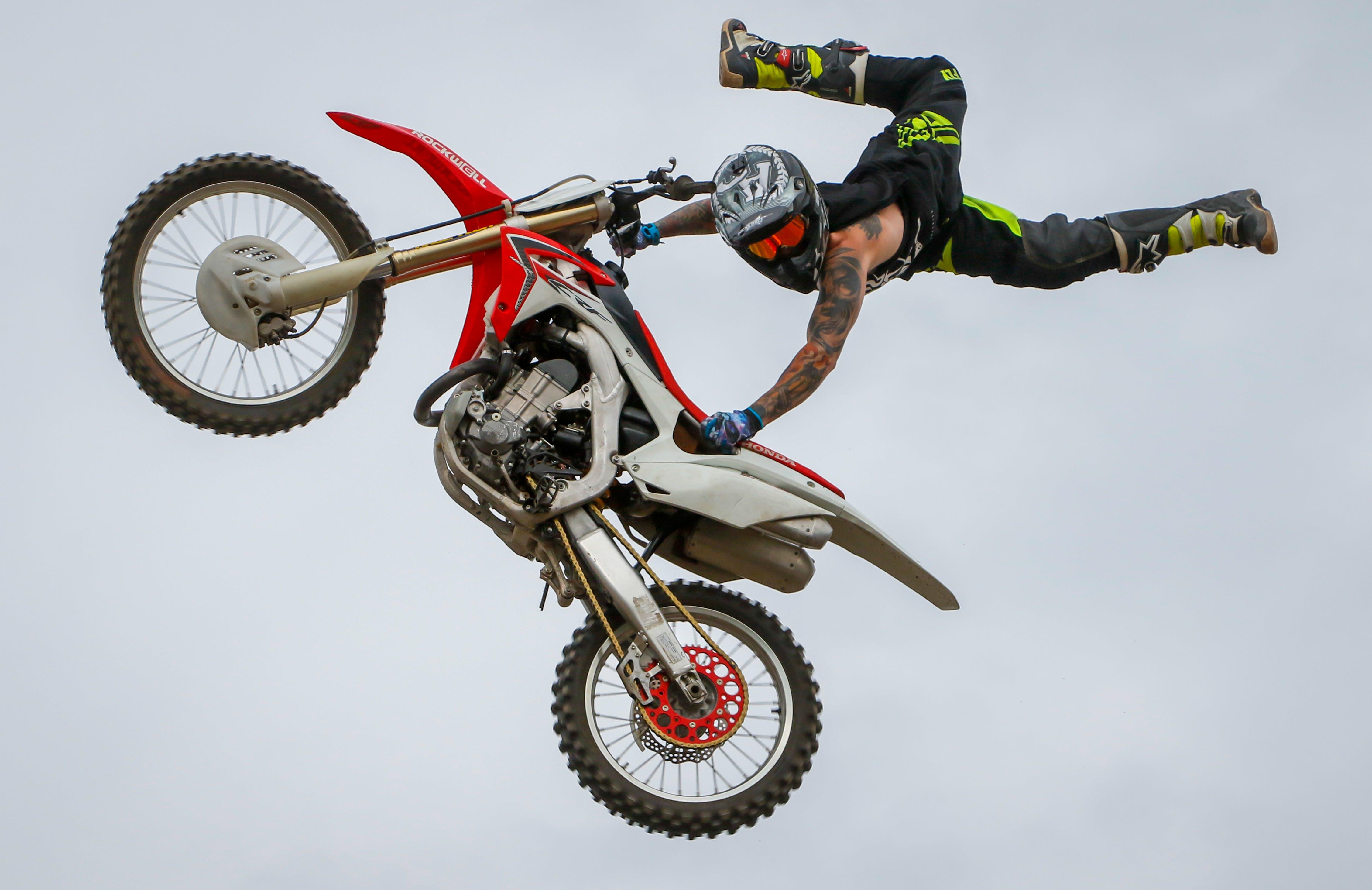 Free stock photo of bike, bike helmet, bike racing, biker