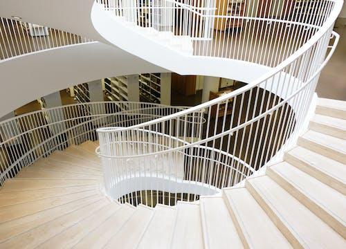 Gratis stockfoto met bibliotheek, gezichtspunt, helsinki, trap