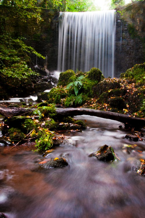 Foto profissional grátis de água, cachoeiras, cascata, cênico