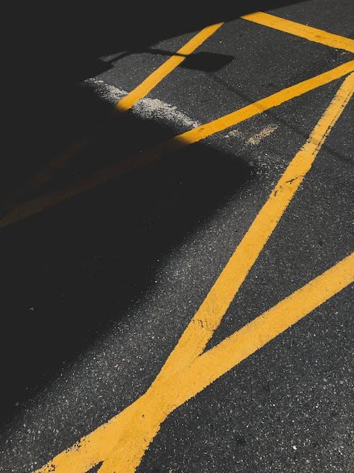 Gratis lagerfoto af asfalt, asfaltbeton, fortov, gade