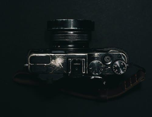 Fotobanka sbezplatnými fotkami na tému čierna a biela, čierny abiely, fotoaparát, klasický