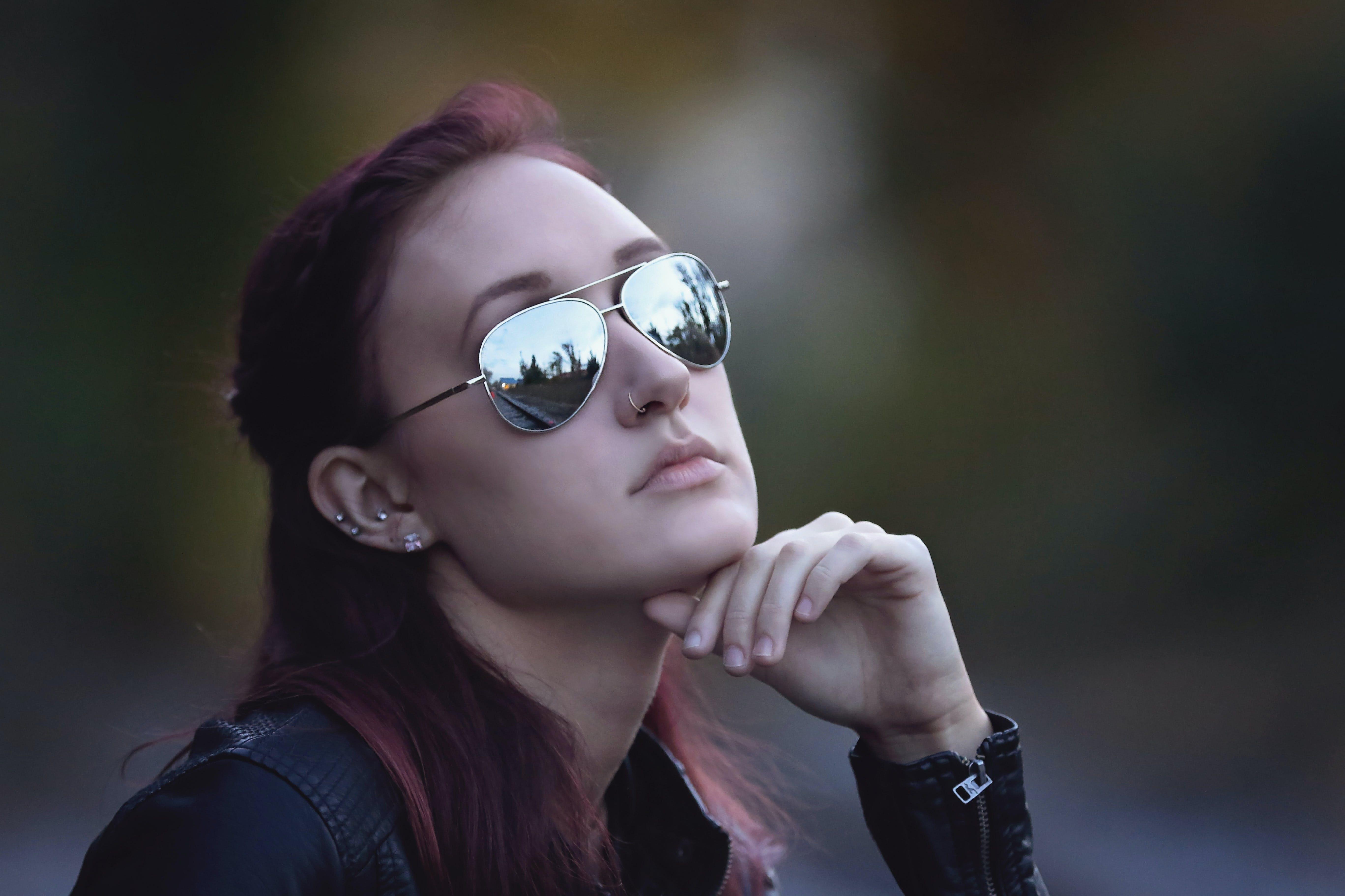 Closeup Photo Woman Sitting Wearing Sunglasses