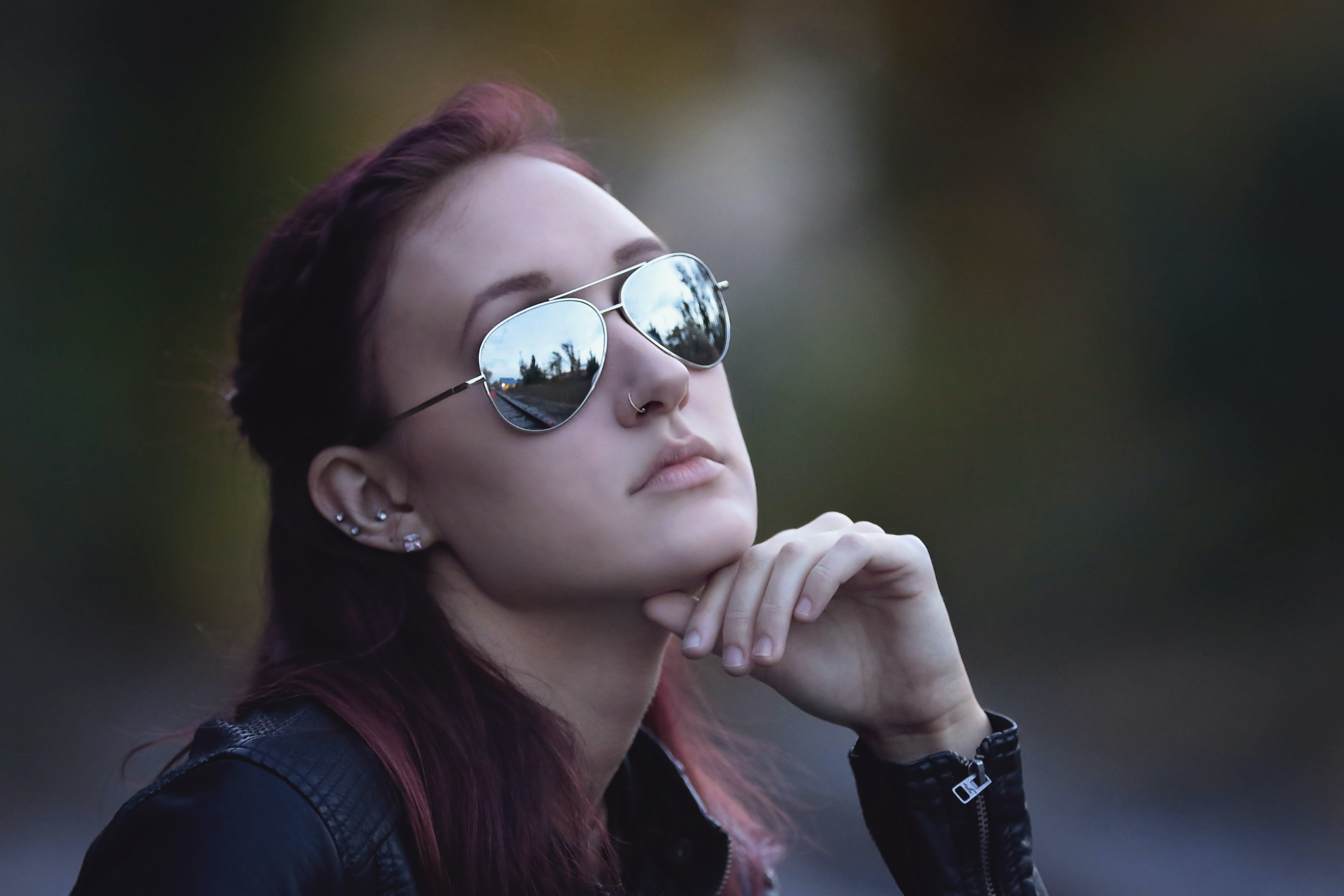 Closeup Photo Woman Sitting Wearing Sunglasses