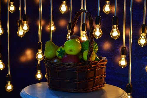 Ảnh lưu trữ miễn phí về bát trái cây, bóng đèn, buổi tiệc, giỏ trái cây