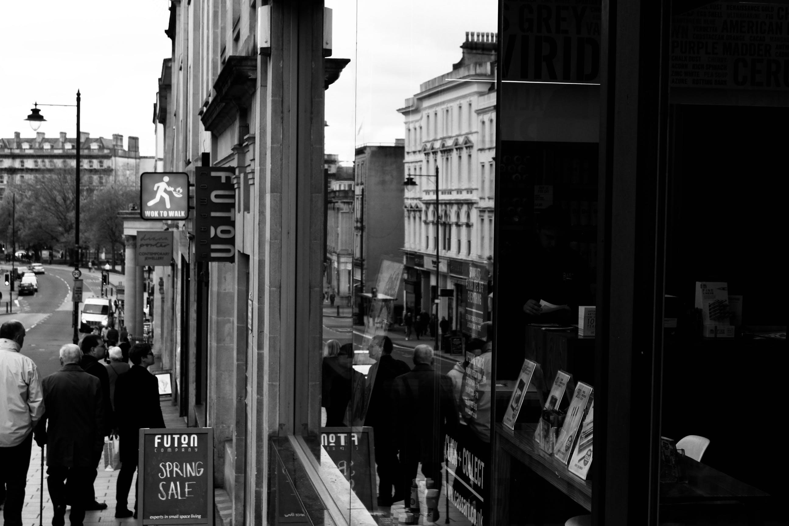 Ilmainen kuvapankkikuva tunnisteilla asu, ihmiset, ikkunat, katu
