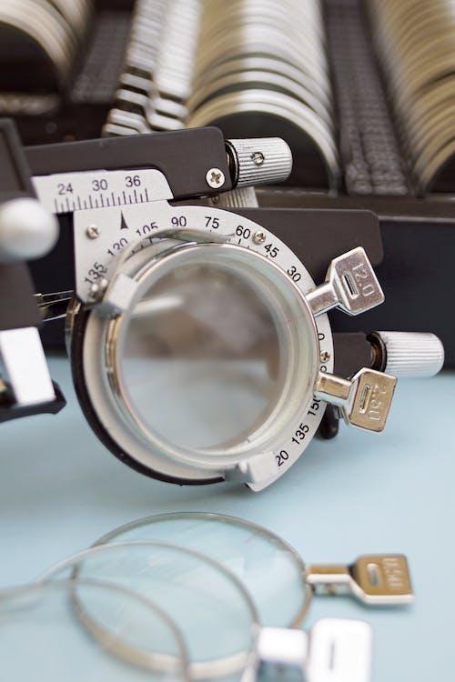 Fotos de stock gratuitas de alta miopía, chequeo de ojos, control, kit de lentes