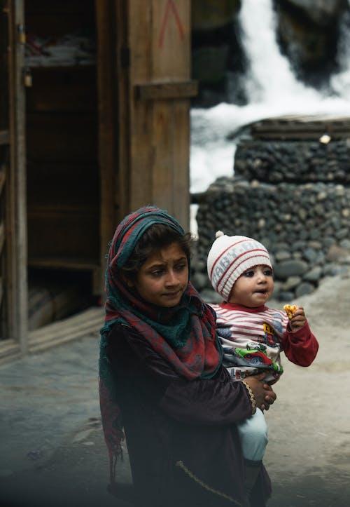Gratis stockfoto met Aziatisch meisje, islamitische meisje, jong meisje, lief meisje