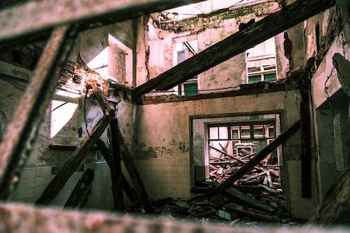Foto stok gratis Arsitektur, bangunan, bangunan terlantar, berantakan