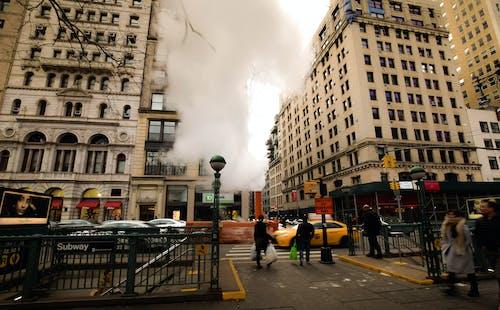 Gratis stockfoto met amerika, centrum, gewone mensen, hoek van de straat