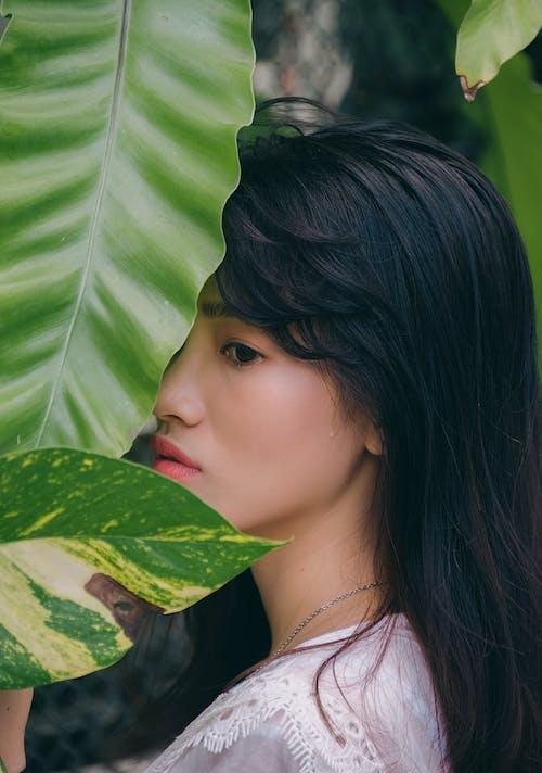 Fotobanka sbezplatnými fotkami na tému Ážijčanka, ázijské dievča, bočný pohľad, dievča