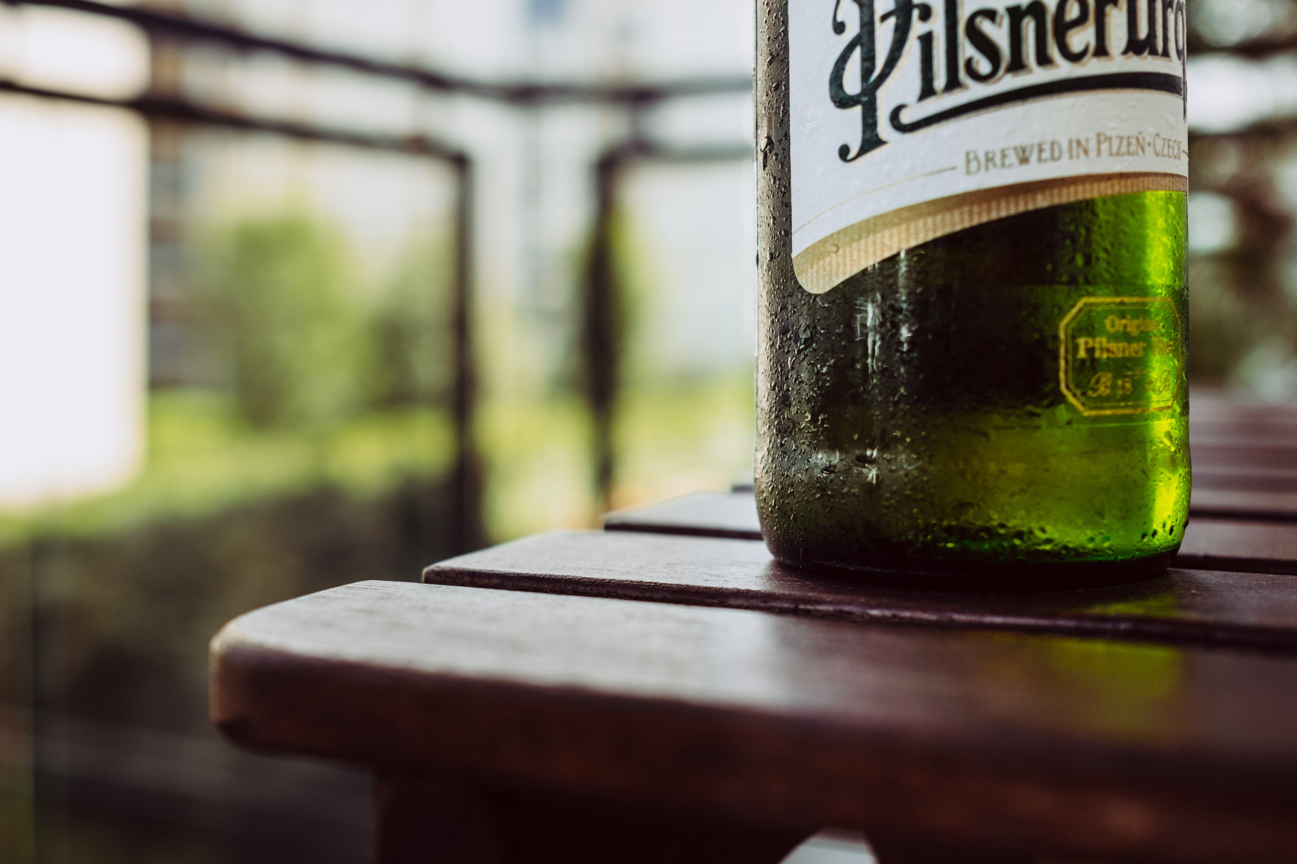 Fotos de stock gratuitas de beber, botella, contenedor, cristal