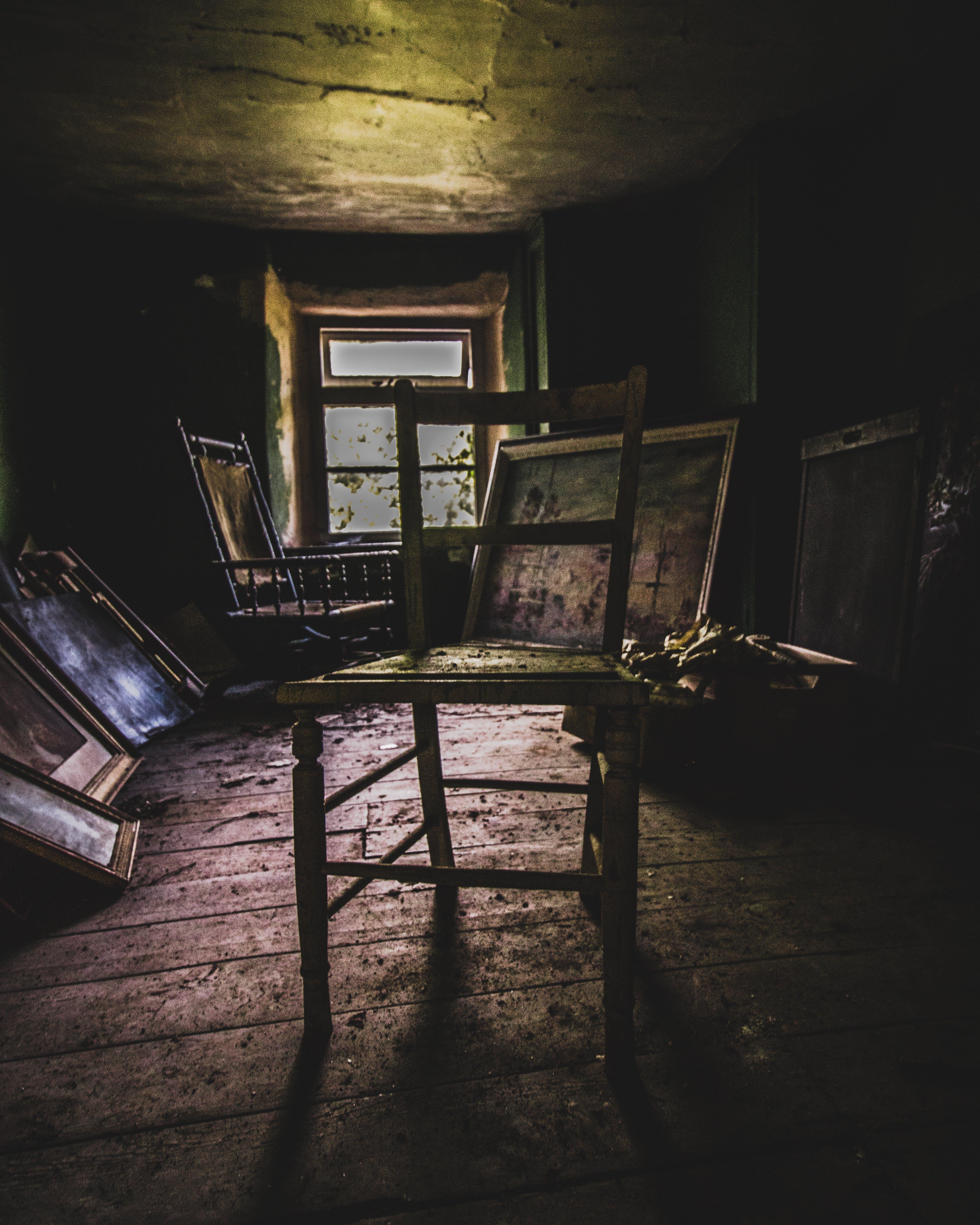 Kostenloses Stock Foto zu städtisch, stuhl, verlassen