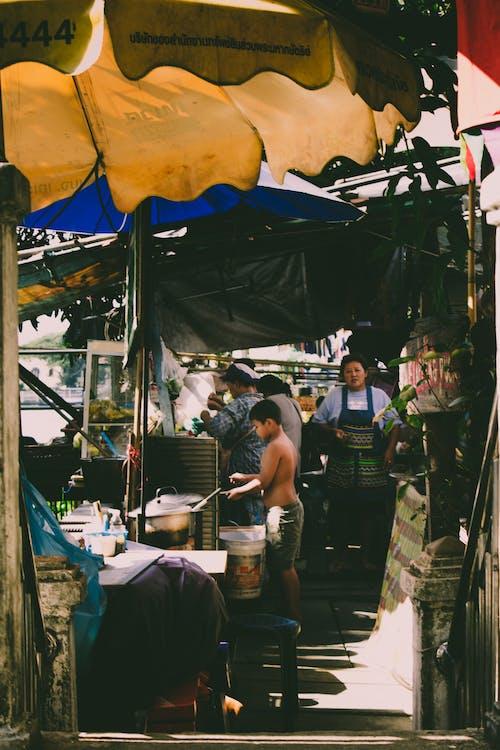 Ingyenes stockfotó ázsiai nők, bolt, élelmiszer témában