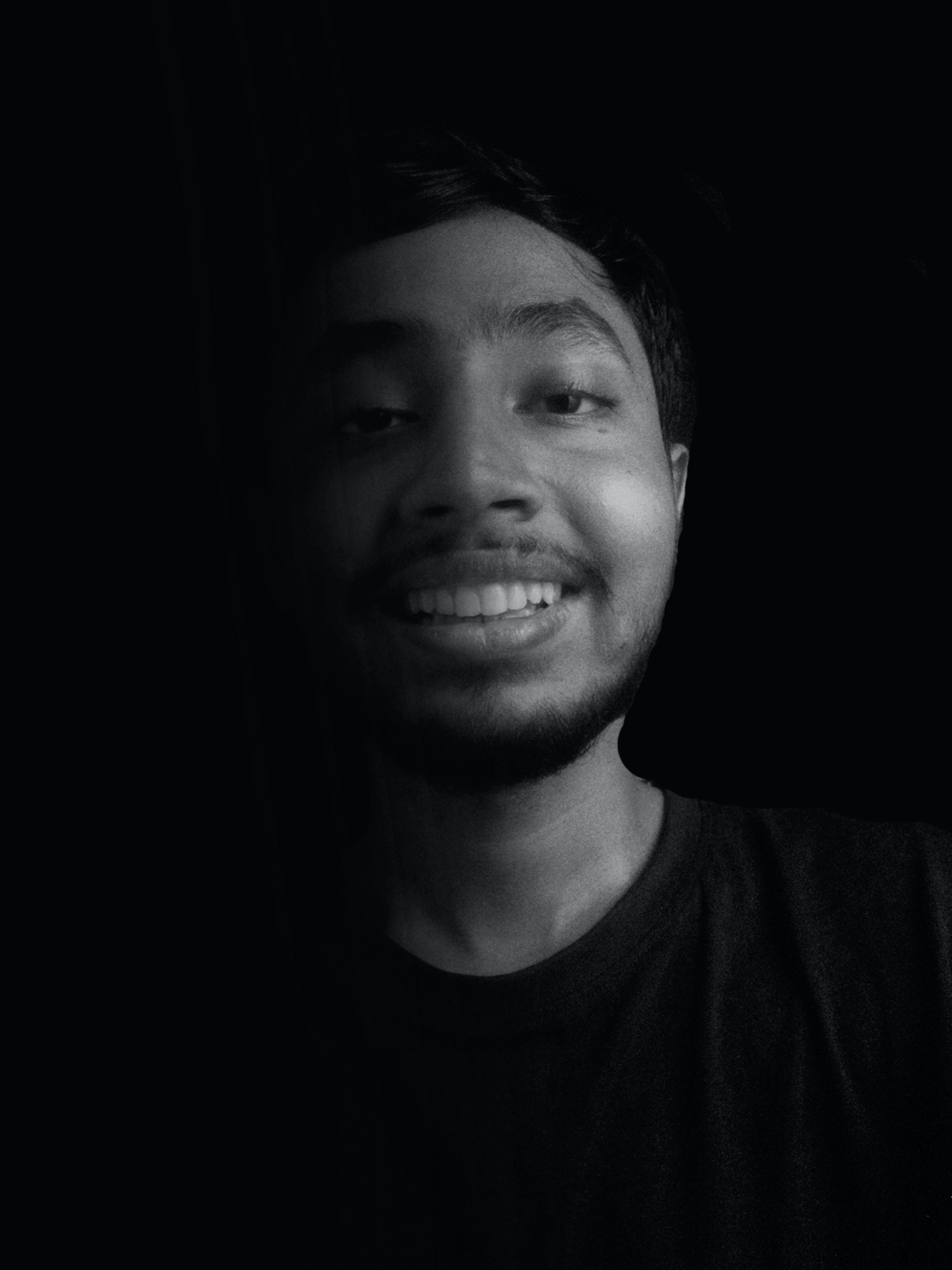 Kostenloses Stock Foto zu porträt, schwarz, schwarz und weiß