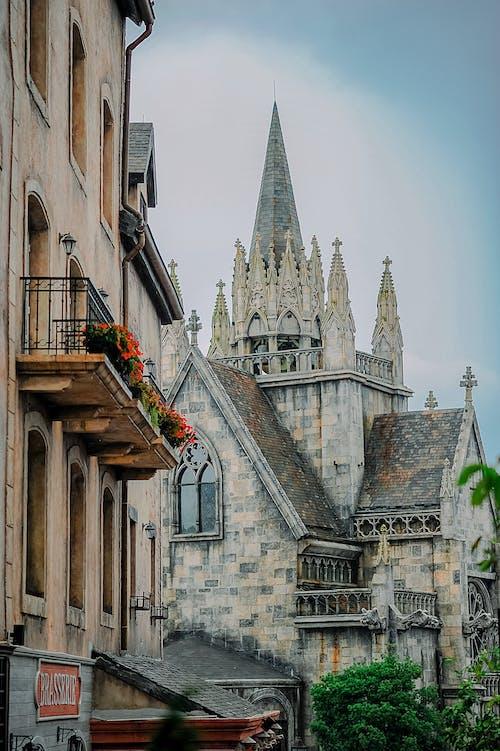 bina, Gotik, kasaba, katedral içeren Ücretsiz stok fotoğraf