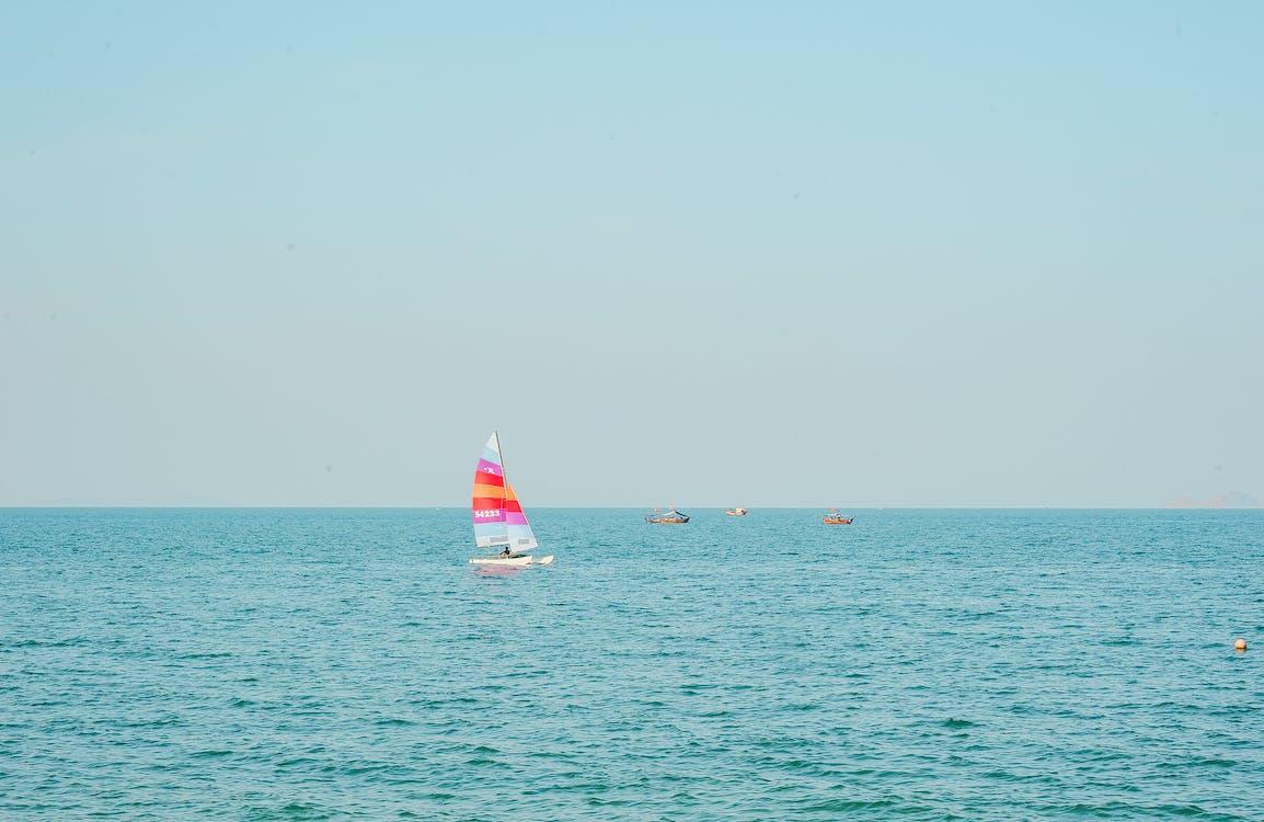 hajóm csónak, hullámok, integet