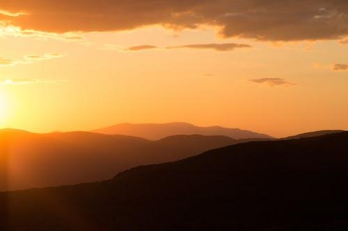 Základová fotografie zdarma na téma hory, krajina, lehký, mraky