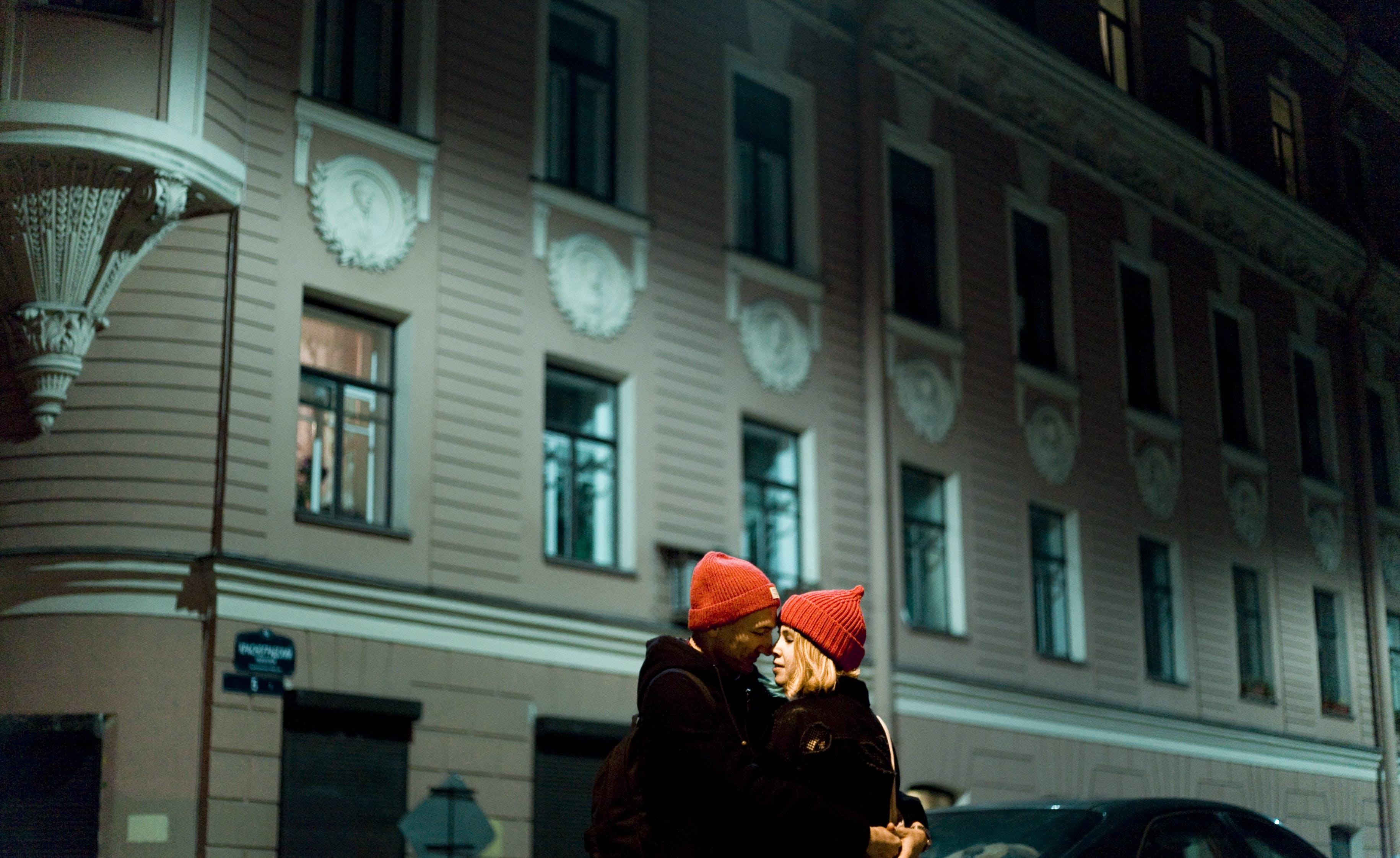 Δωρεάν στοκ φωτογραφιών με αγάπη, άνδρας, Άνθρωποι, απόγευμα