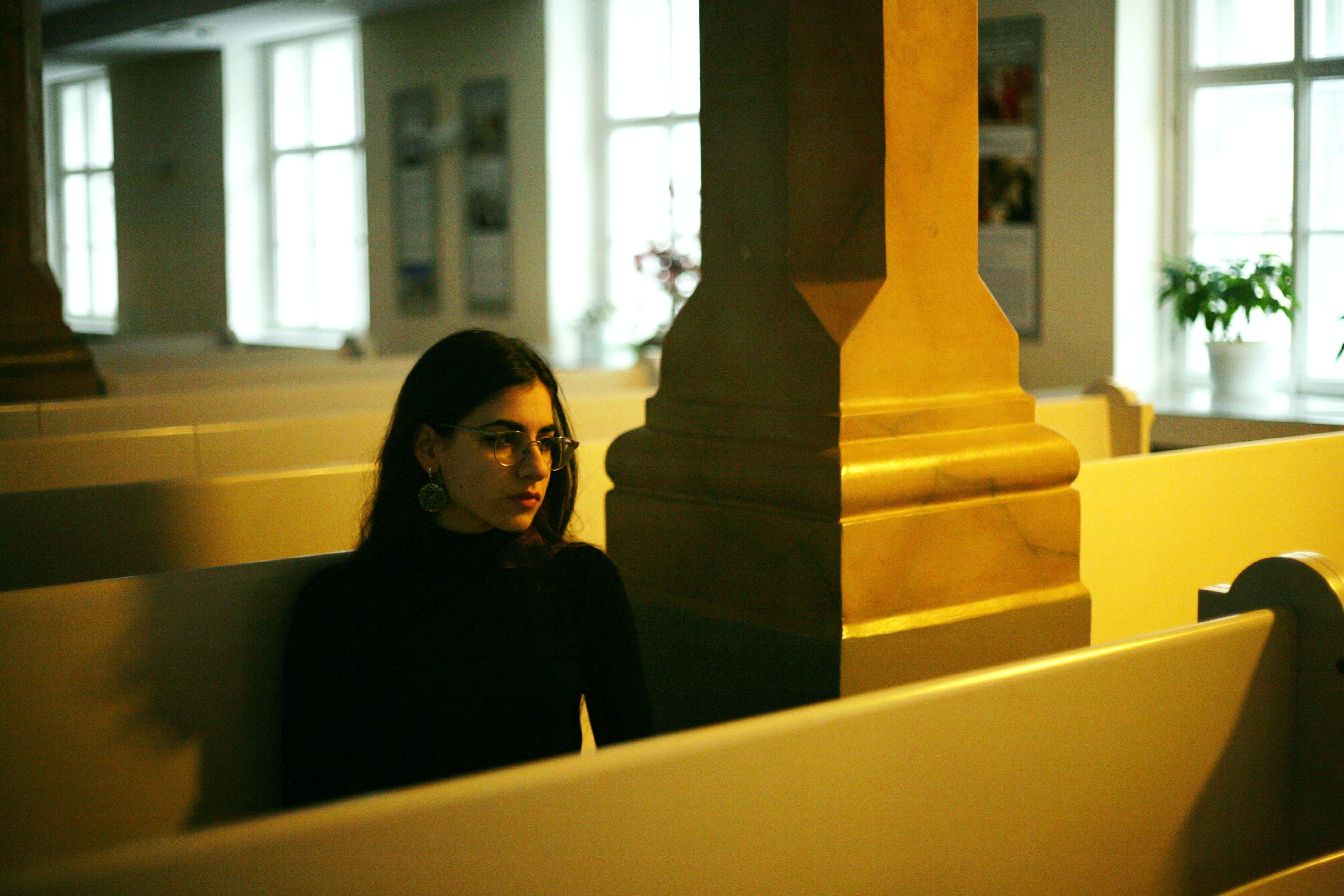 Δωρεάν στοκ φωτογραφιών με άνθρωπος, γυναίκα, έδρα, εκκλησία