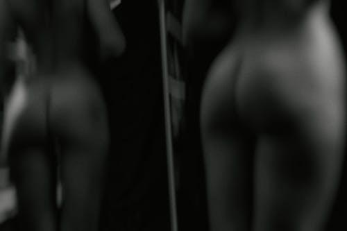 Бесплатное стоковое фото с в помещении, голый, девочка, женщина