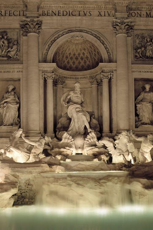 不朽的雕塑, 噴泉, 在晚上的紀念碑 的 免費圖庫相片