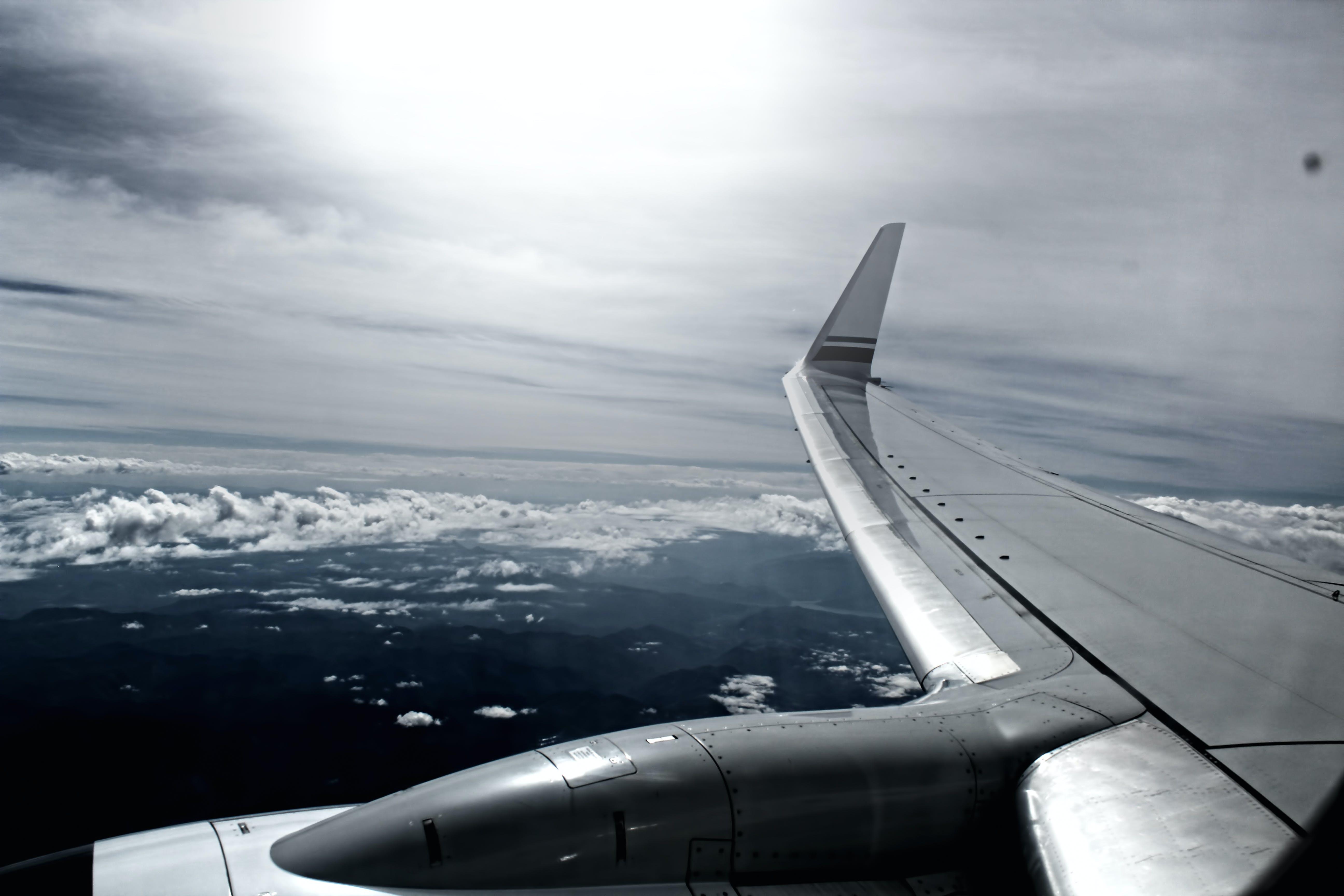 Kostenloses Stock Foto zu flug, flugzeug, himmel