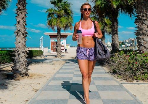 Fotobanka sbezplatnými fotkami na tému chôdza, cvičenie, pláž, prázdniny