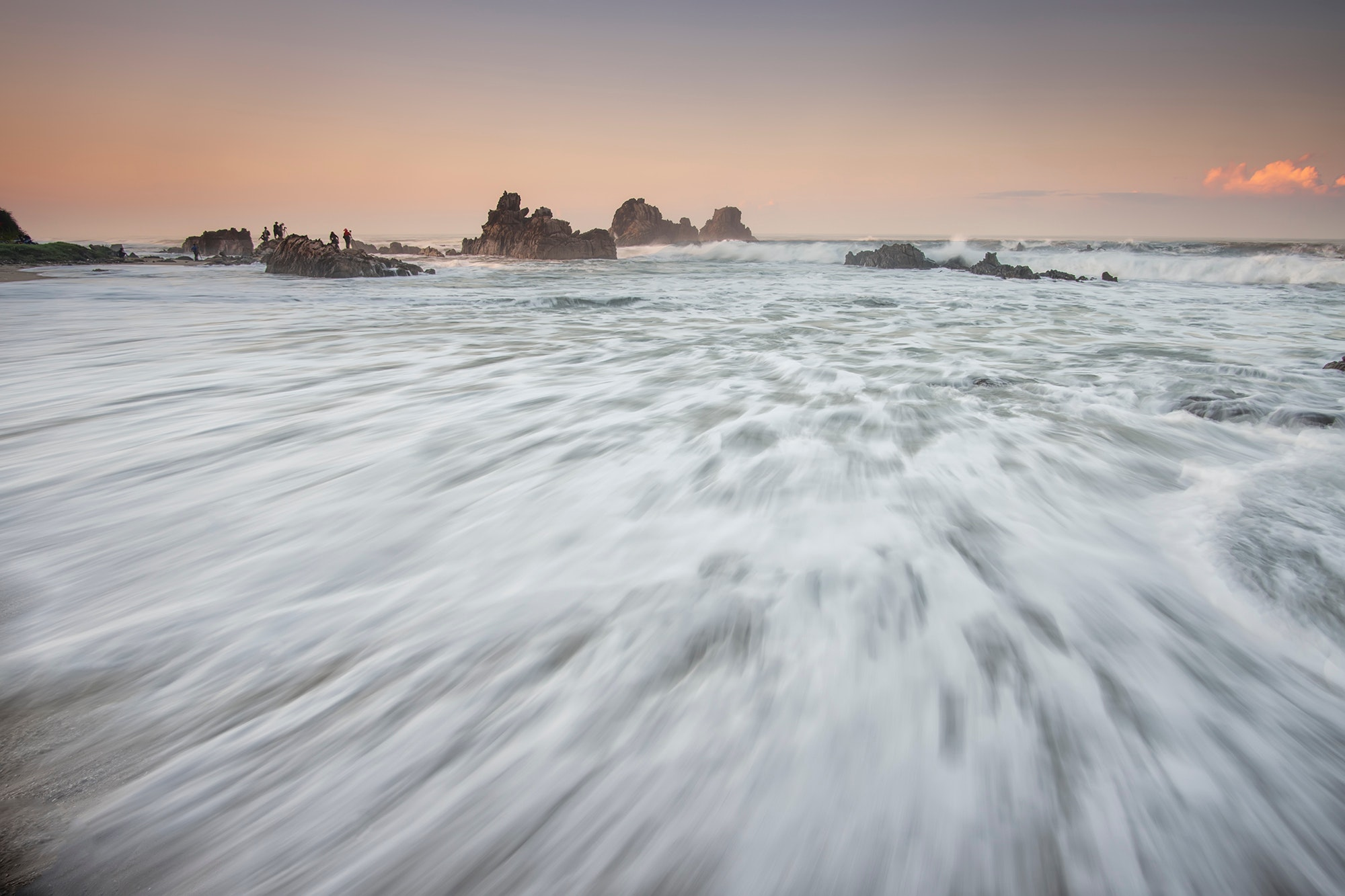 White Sea Wave Foam Free Stock Photo
