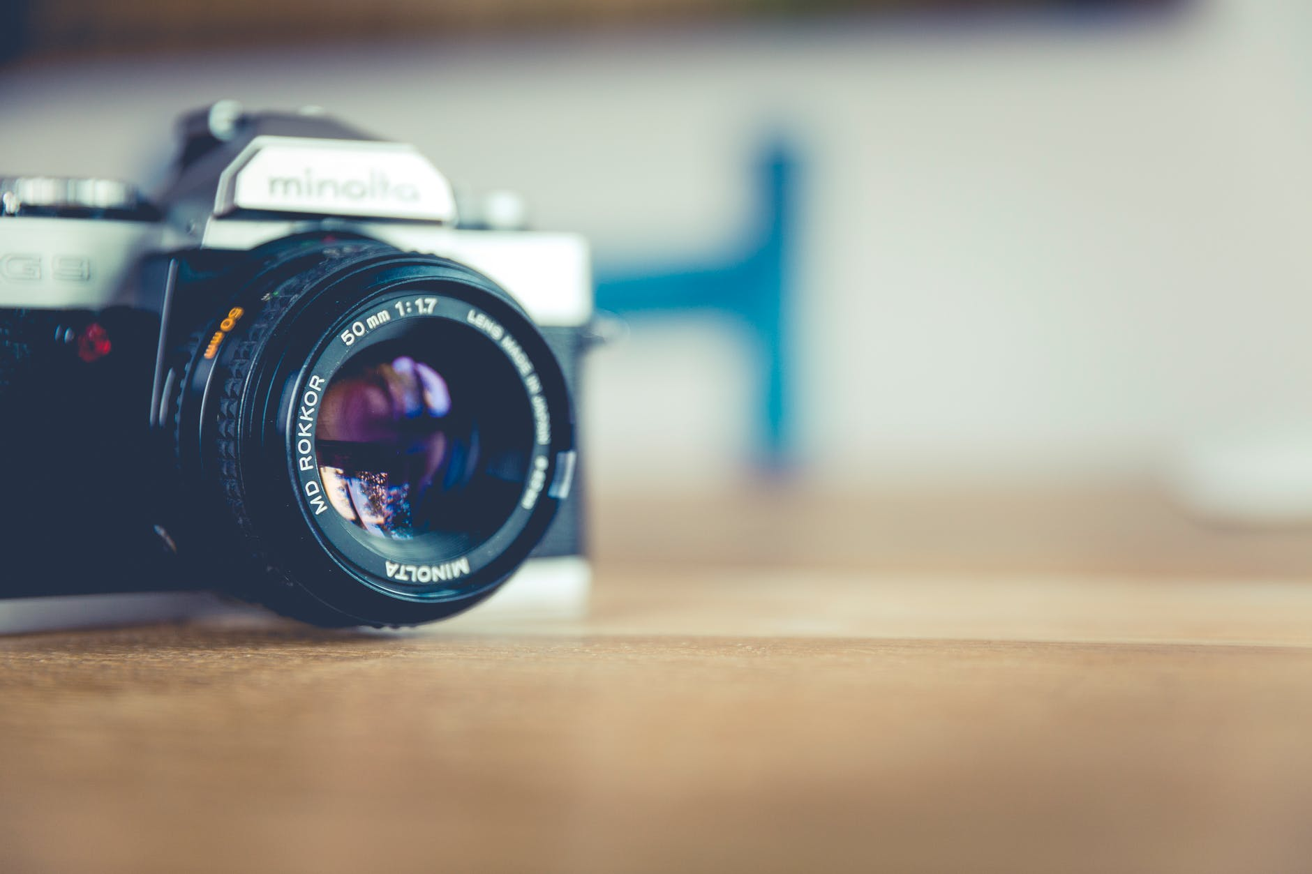 picture of an analogue camera (public domain image)