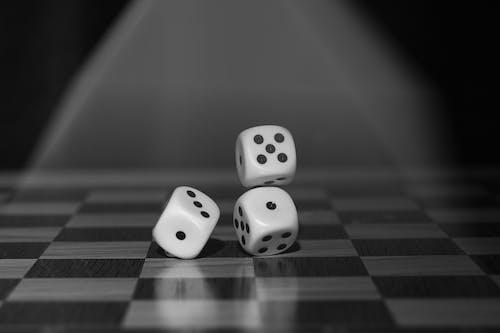 Imagine de stoc gratuită din agrement, alb-negru, boardgame, cub