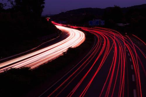 çevre yolu, gece, ışık çizgileri, ışık izleri içeren Ücretsiz stok fotoğraf