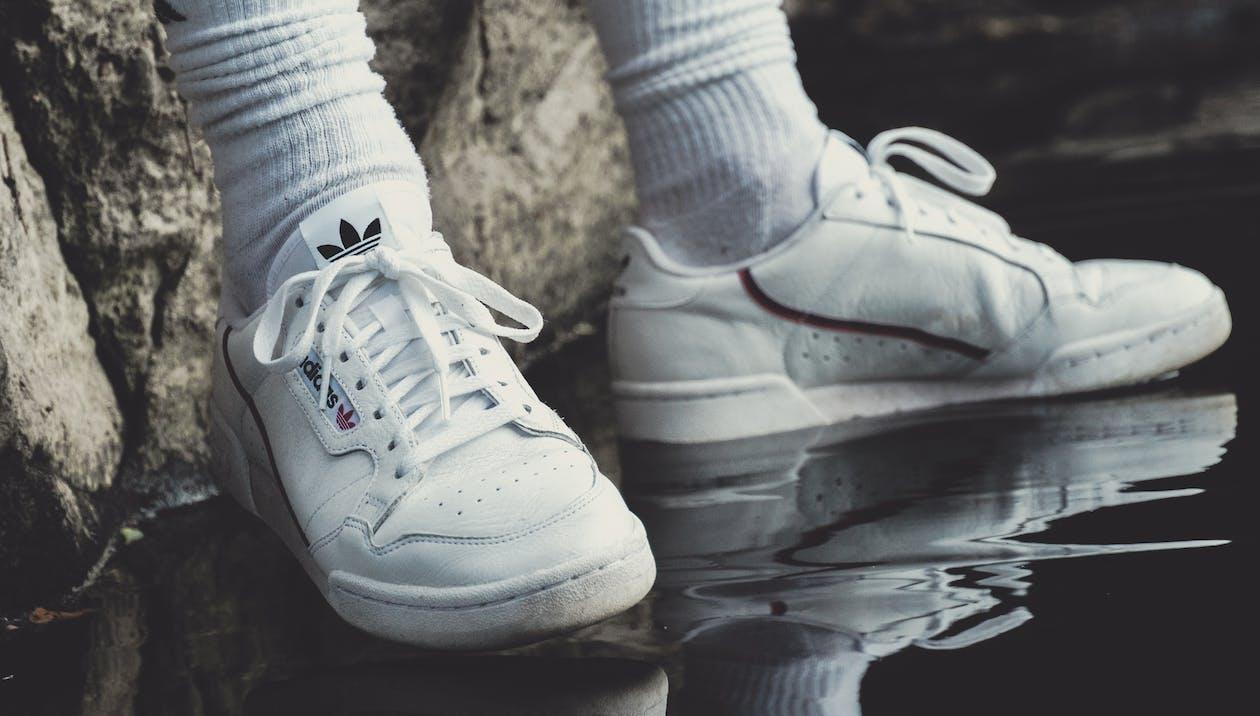 baad324e881 Free stock photo of αθλητικά παπούτσια, κάλτσες, μόδα