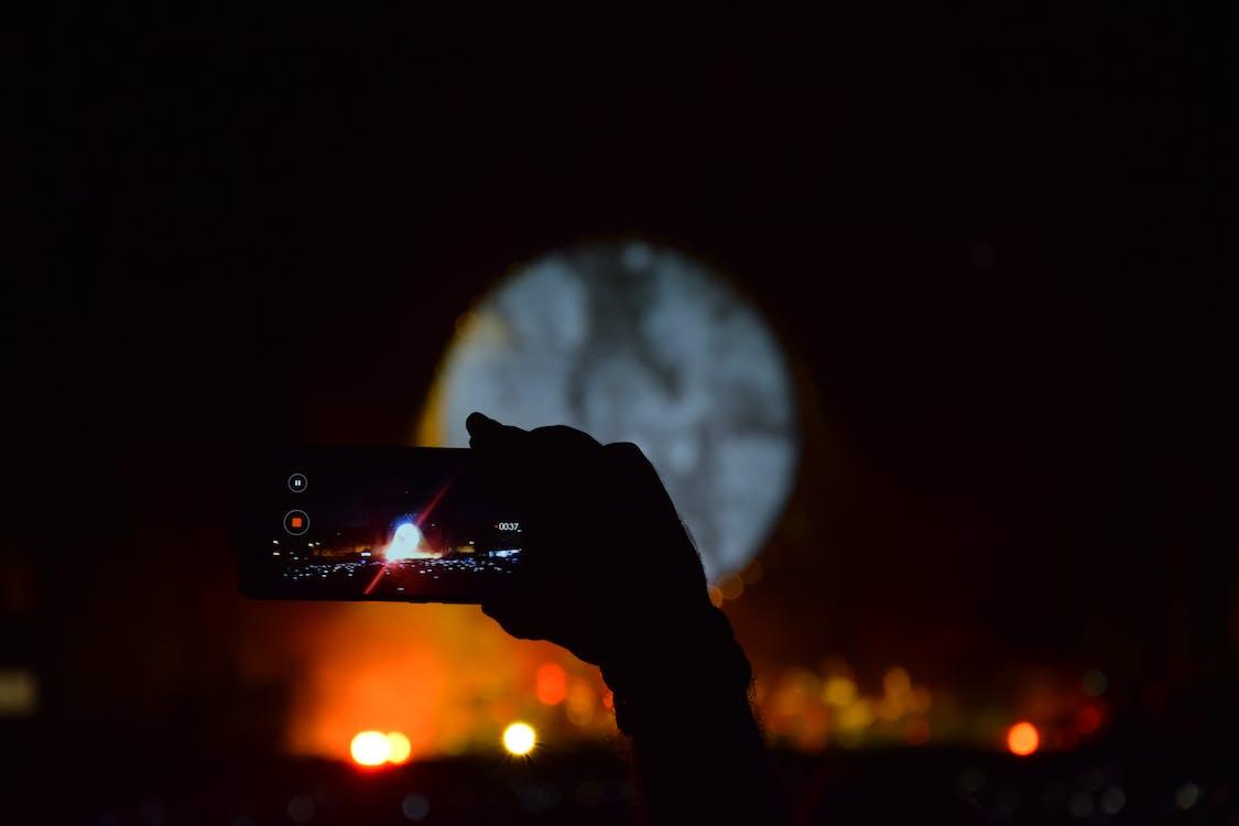 açık, açık renkler, akıllı telefon içeren Ücretsiz stok fotoğraf